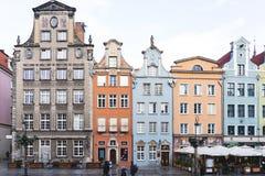 波兰,格但斯克- 12/09/2018:大街在欧洲城市,五颜六色的房子 免版税图库摄影