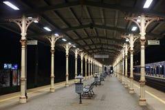 波兰,索波特- 2014年12月14日:在索波特火车站,波兰的地方平台 免版税图库摄影