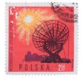 波兰-大约1965年:打印的邮票,展示无线电telesc 库存照片