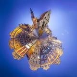 波兹南老集市广场夜地平线在西波兰 库存照片