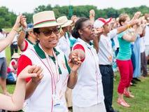 波兹南,波兰- 2016年7月24日:香客祈祷,跳舞和唱歌在几天期间在世界青年日之前的主教管区在K 免版税库存照片