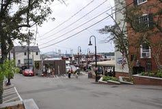 波兹毛斯, 6月30日:从波兹毛斯的老港口街道在美国的新罕布什尔 免版税库存图片