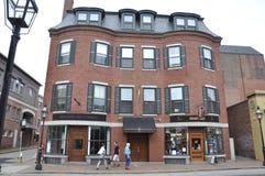 波兹毛斯, 6月30日:从街市波兹毛斯的历史建筑在美国的新罕布什尔 库存照片