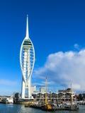 波兹毛斯, HAMPSHIRE/UK - 11月2日:在Po的大三角帆大厦 库存照片