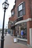 波兹毛斯6月30日:从波兹毛斯街市的历史的街道视图在美国的新罕布什尔 免版税库存图片