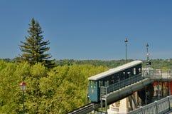 波城齿轨铁路在春天公园 免版税库存图片