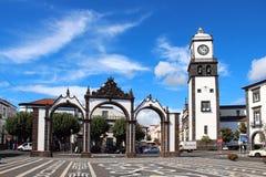 波塔斯角da Cidade (对城市的门), Ponta Delgada,圣地米格尔 免版税库存图片