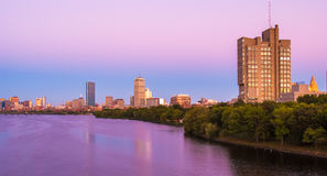 波士顿、剑桥和查理斯河视图  库存图片