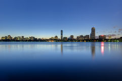 波士顿回到海湾地平线被看到在黎明 库存图片