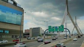 波士顿桥梁Bunker Hill伦纳德・马萨诸塞p zakim 建立射击的Zakim邦克山纪念桥梁交通 影视素材
