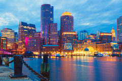 波士顿港口和财政区日落的 波士顿,马萨诸塞,美国 图库摄影