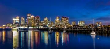 波士顿街市地平线全景 免版税库存照片