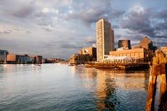波士顿街市江边 库存照片