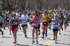 波士顿赛跑者马拉松2014大量  库存照片