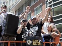 波士顿,麻省,美国- 6月18日:纳丹霍顿庆祝史丹利杯胜利在波士顿熊在夺得杯以后游行为 免版税库存照片