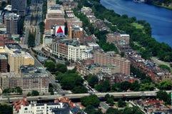 波士顿,麻省:对Kenmore广场的看法 图库摄影