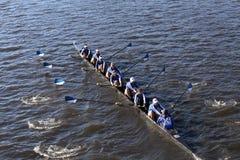 波士顿- 2016年10月23日:威尔斯利学院在查尔斯赛船会妇女的大学Eights头赛跑  免版税库存照片