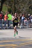 波士顿- 4月18 :在波士顿马拉松2016年4月18日期间,精华人赛跑者赛跑伤心欲绝小山在波士顿 免版税库存图片