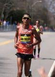 波士顿- 4月18 :在波士顿马拉松2016年4月18日期间,达席尔瓦, SoElite人赛跑者赛跑伤心欲绝小山在波士顿 图库摄影