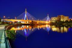 波士顿Zakim桥梁日落在马萨诸塞 免版税图库摄影