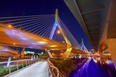 波士顿Zakim桥梁日落在马萨诸塞 免版税库存照片