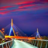 波士顿Zakim桥梁日落在马萨诸塞 库存图片
