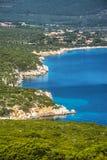 波尔图孔特海湾的蓝色海 库存图片