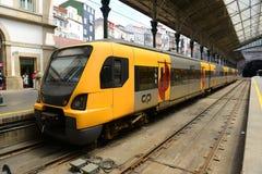 波尔图市郊火车,葡萄牙 免版税库存图片