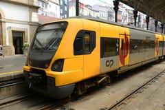 波尔图市郊火车,葡萄牙 库存照片