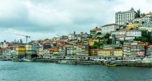 波尔图杜罗河河船坞和老镇,葡萄牙 免版税库存照片