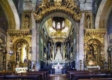 波尔图葡萄牙 2017年8月12日:圣安东尼` s教会内部在18世纪和非常polychr聚集修造 免版税库存图片
