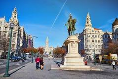 波尔图葡萄牙 2018年12月09日:对唐佩德罗国王的纪念碑IV在历史和庄严处所的广场de la利伯塔德 库存图片