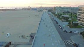 2016 09波尔图,葡萄牙:新的波尔图的鸟瞰图一个海滩的在日落时间 股票录像
