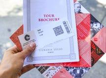 波尔图,葡萄牙- 2017年8月10日:与价格的票Livraria莱洛书店的 图库摄影