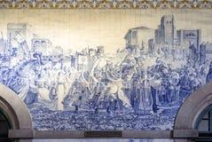波尔图,葡萄牙- 2015年7月04日:古老葡萄酒Azulejos盘区 库存图片