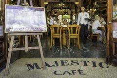 波尔图,葡萄牙- 2015年7月04日:庄严,历史咖啡 库存图片