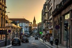 波尔图,葡萄牙- 2016年7月28日:波尔图日落城市风景与 库存图片