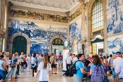 波尔图,葡萄牙- 2016年8月08日:São Bento火车站波尔图,葡萄牙 库存图片