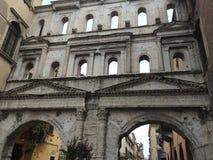 波尔塔Borsari在维罗纳 免版税库存图片