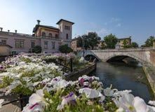 波尔托格鲁阿罗,威尼托,在Lemene河的桥梁 库存图片