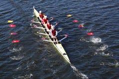波托马克小船俱乐部在主任Challenge在查尔斯赛船会头的Quad Men赛跑  免版税库存照片