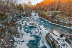 波托马克河的巨大秋天在冬天 马里兰 美国 免版税库存照片