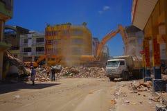 波托维耶霍,厄瓜多尔- 2016年4月, 18日:修造显示后果7 8地震 免版税库存图片