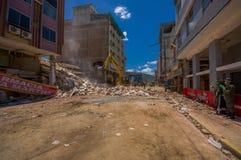 波托维耶霍,厄瓜多尔- 2016年4月, 18日:修造显示后果7 8地震 免版税库存照片
