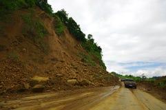波托维耶霍,厄瓜多尔- 2016年4月, 18日:山崩阻拦路对海岸在7以后 8地震 免版税库存照片
