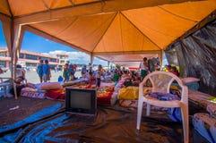 波托维耶霍,厄瓜多尔- 2016年4月, 18日:难民的帐篷在7以后 8地震 免版税库存照片