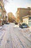 波摩莱,保加利亚,冬天削皮的多雪的街道2017年 库存照片