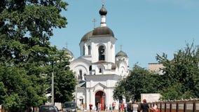 波洛茨克,白俄罗斯 波洛茨克的圣徒Euphrosyne修道院复合体有圣洁十字架的兴奋东正教的  股票录像