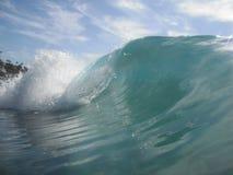 波浪卷毛和浪花 免版税库存照片
