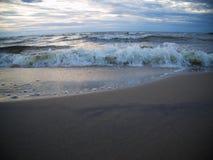 波浪在波罗的海 免版税库存图片